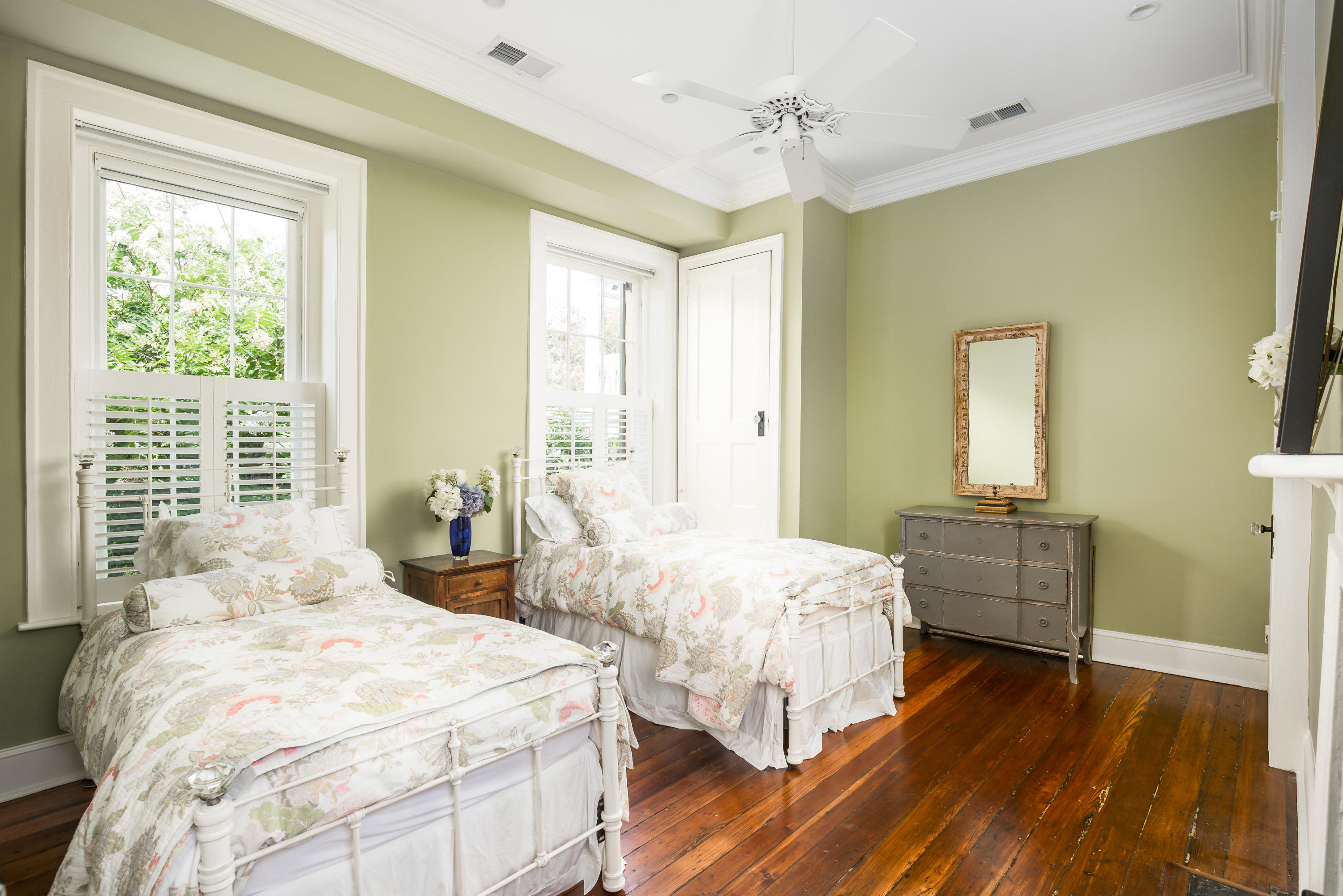 South of Broad Homes For Sale - 61 1/2 Tradd, Charleston, SC - 27