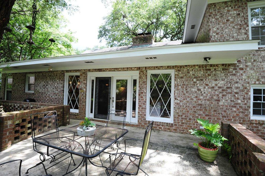 Photo of 1817 Huntington Dr, Charleston, SC 29407