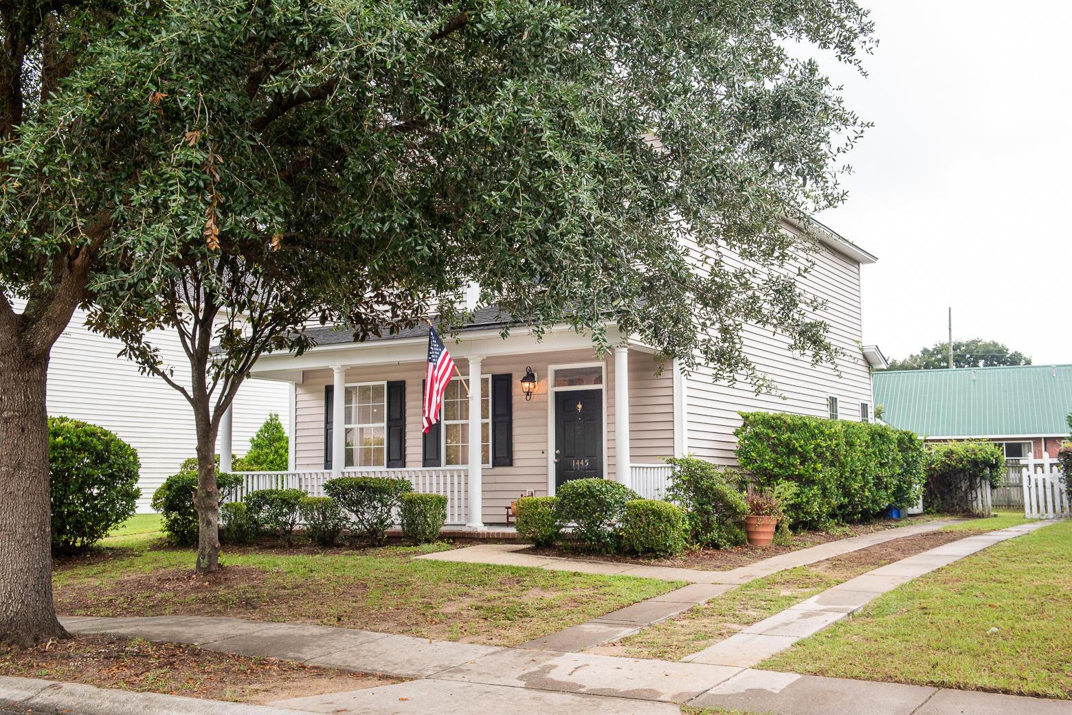 Jamestowne Village Homes For Sale - 1445 Swamp Fox, Charleston, SC - 1