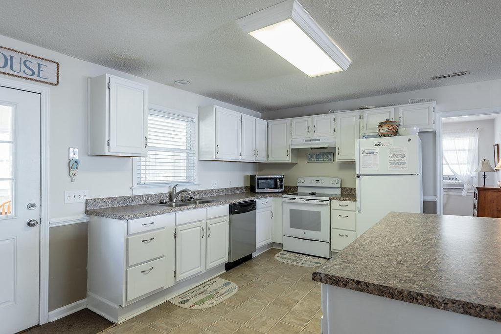 Folly Beach Homes For Sale - 903 Ashley, Folly Beach, SC - 32