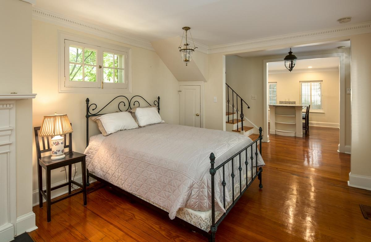 South of Broad Homes For Sale - 80 Tradd, Charleston, SC - 21