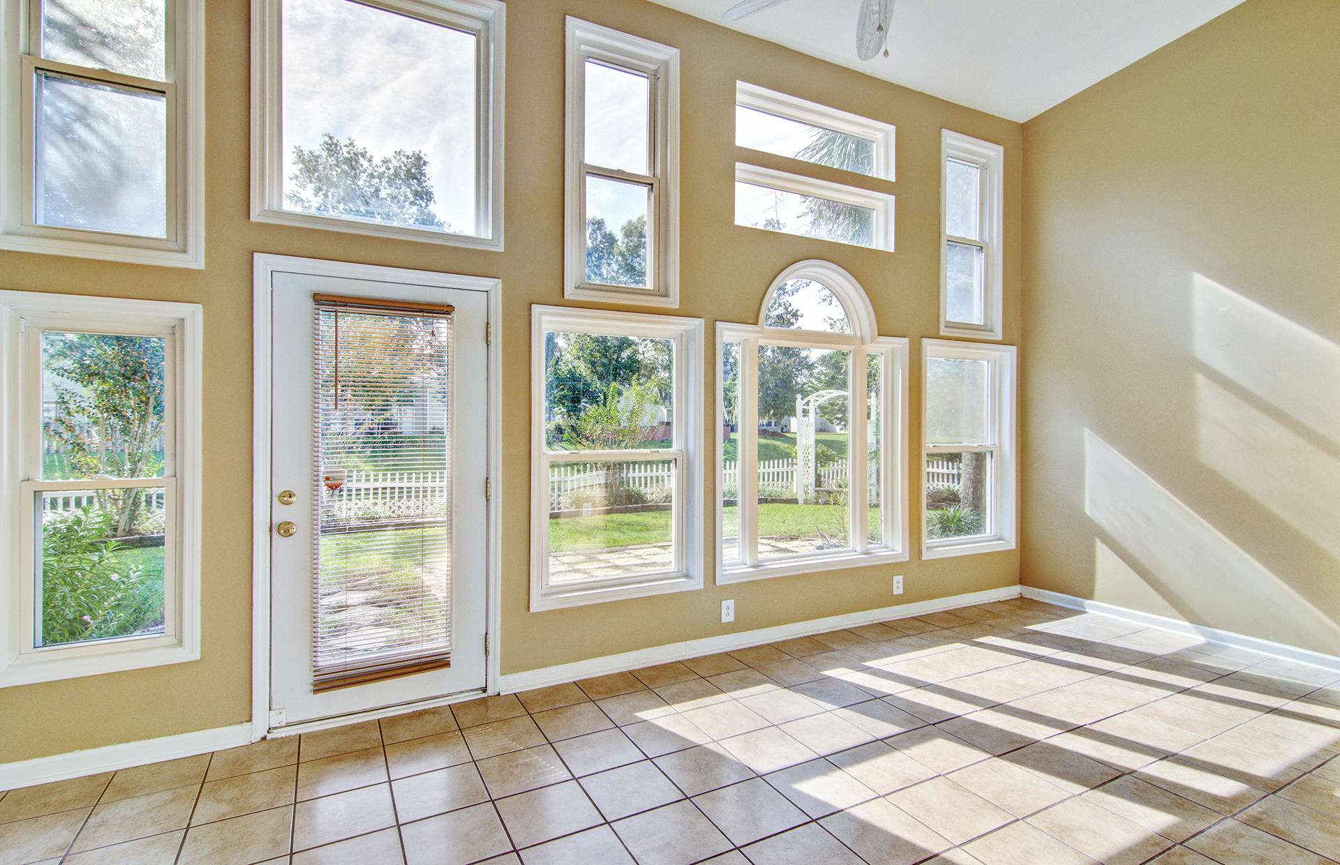 Grand Oaks Plantation Homes For Sale - 1013 Tyron, Charleston, SC - 4