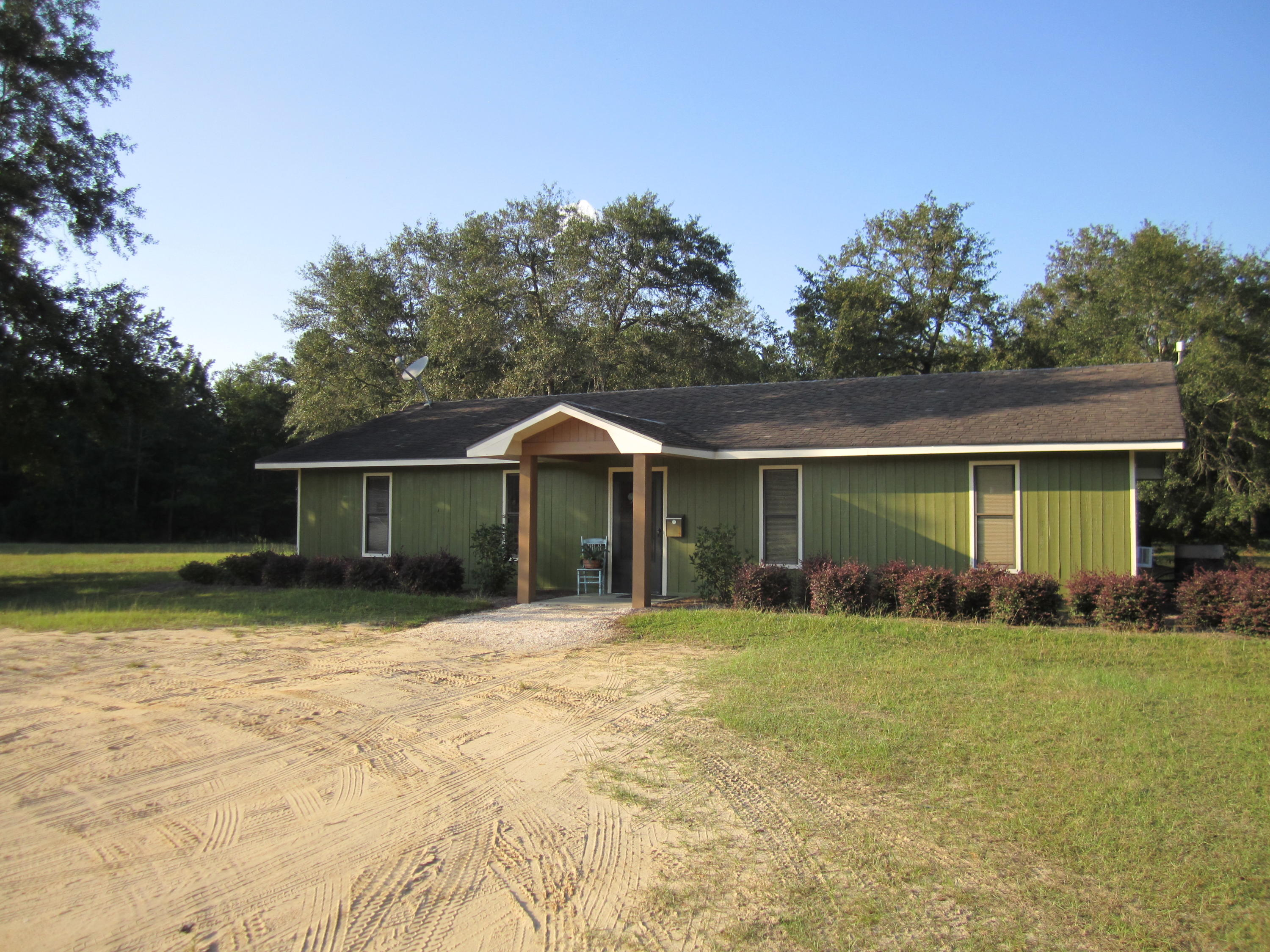 Photo of 2035 Wolfe Creek Rd, Walterboro, SC 29488