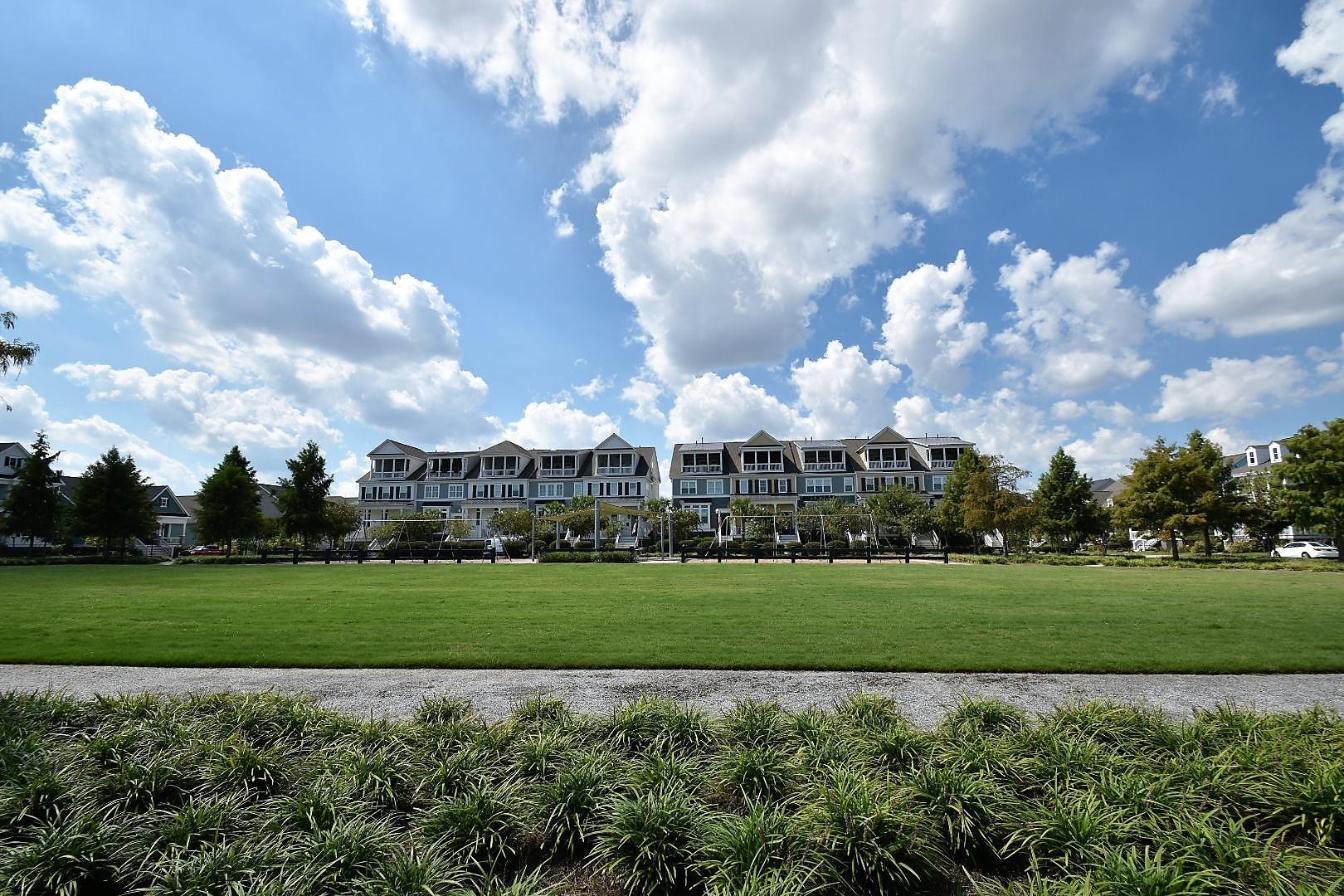 Daniel Island Homes For Sale - 2623 Townsend, Charleston, SC - 1