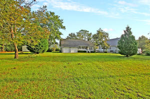305 CANAL ST, BONNEAU, SC 29431  Photo 4