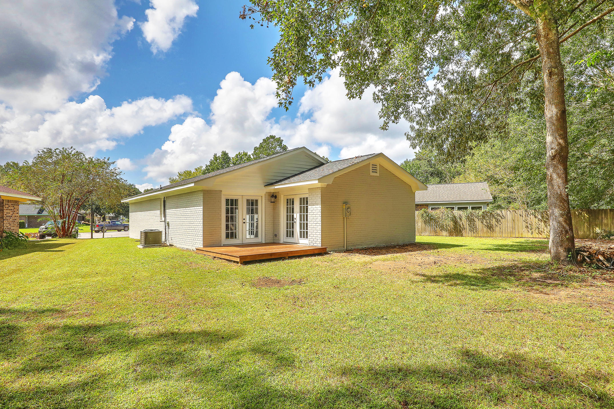 Bruno Acres Homes For Sale - 1674 Durkee, Charleston, SC - 11