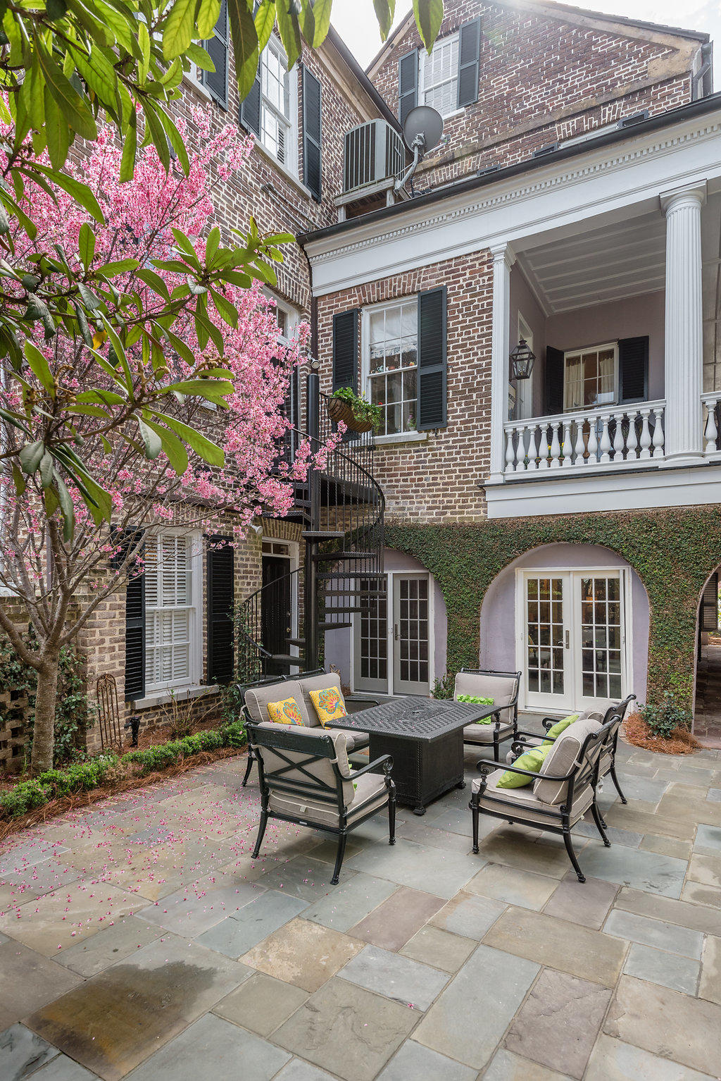 South of Broad Homes For Sale - 48&48 1/2 South Battery, Charleston, SC - 34