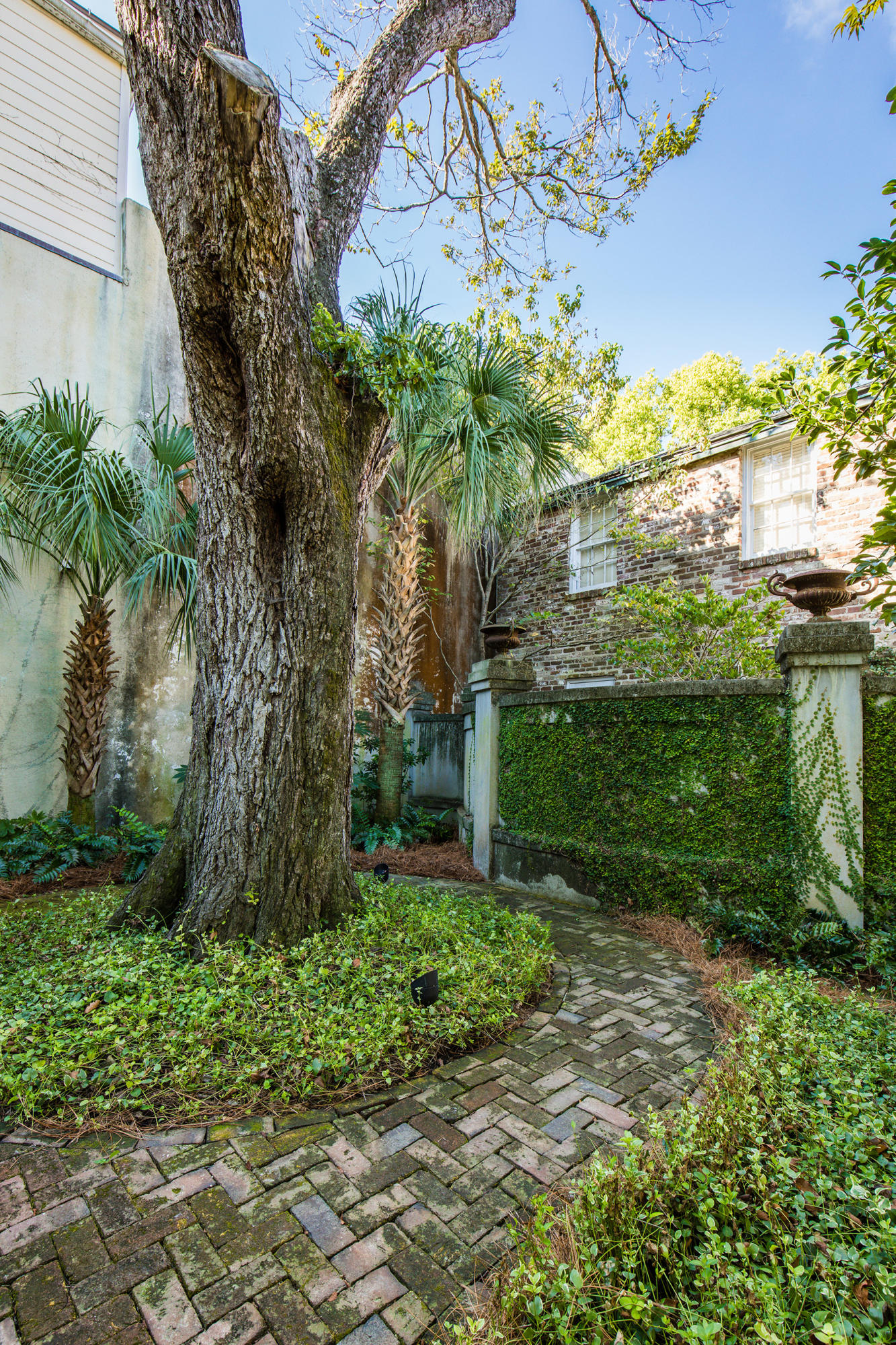 South of Broad Homes For Sale - 35 Tradd, Charleston, SC - 42