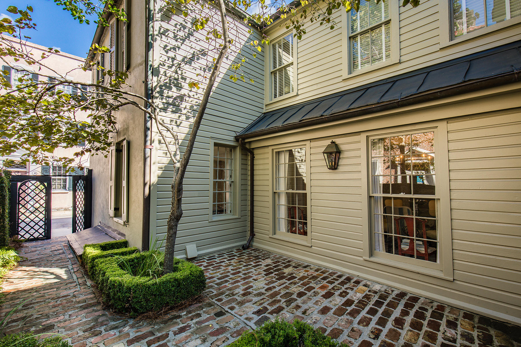 South of Broad Homes For Sale - 35 Tradd, Charleston, SC - 41