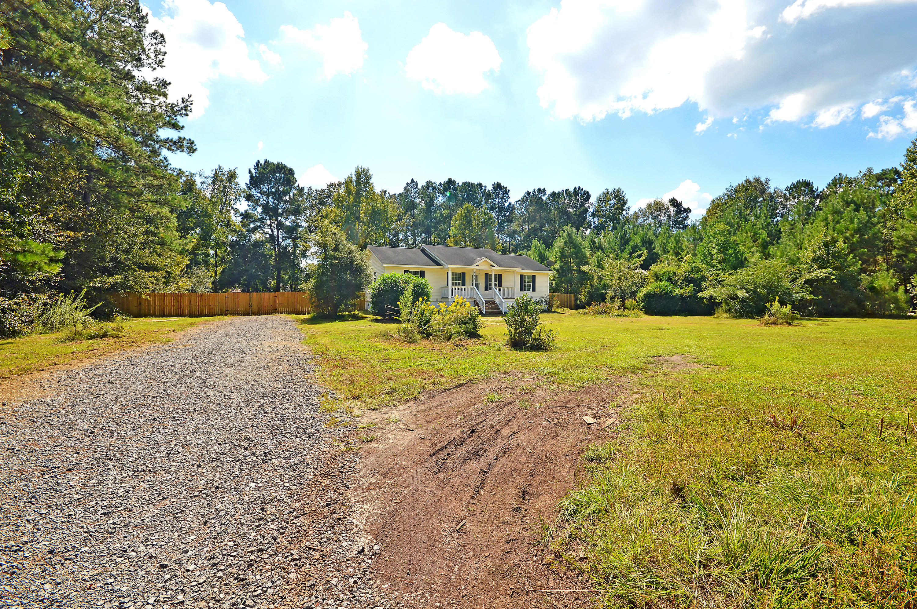 Lazy Acres Homes For Sale - 135 Lazy Acres, Summerville, SC - 1