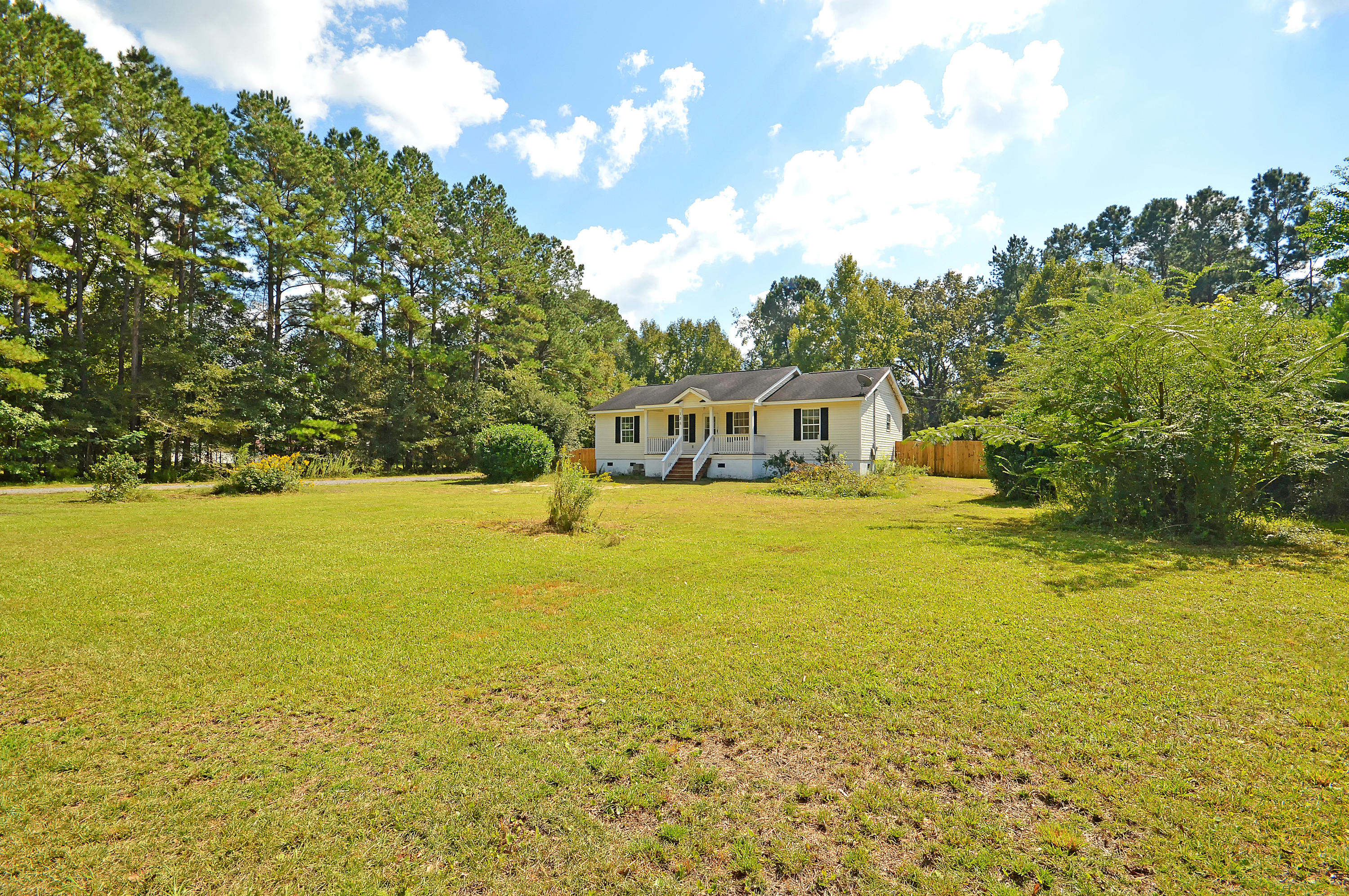 Lazy Acres Homes For Sale - 135 Lazy Acres, Summerville, SC - 4