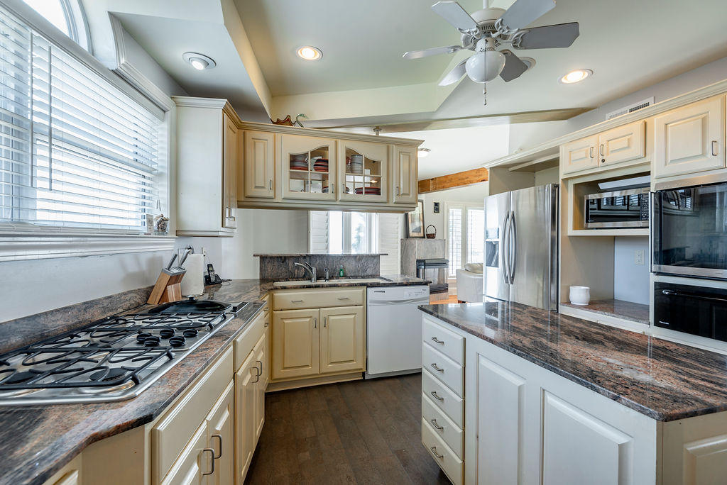 Isle of Palms Homes For Sale - 2 51st, Isle of Palms, SC - 4