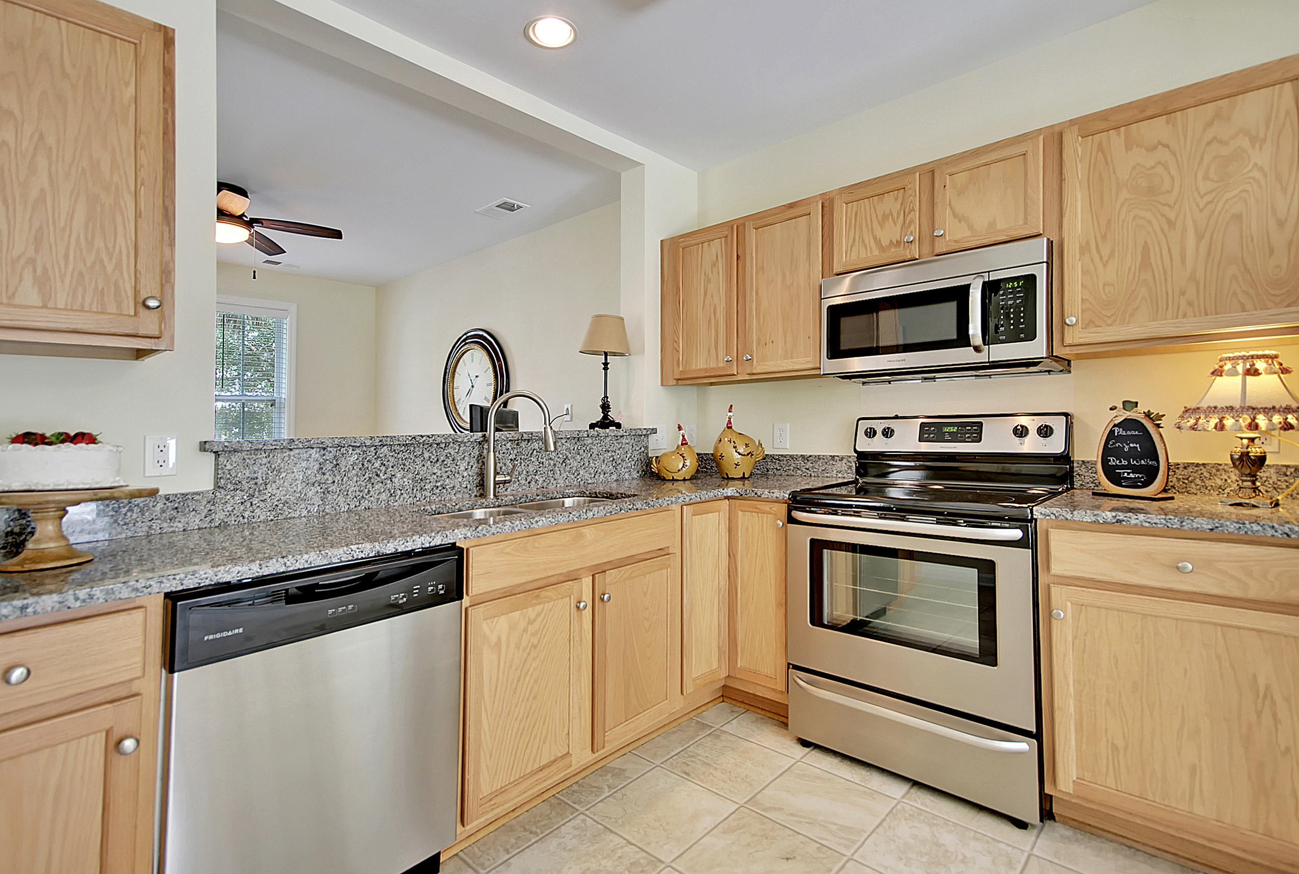 White Gables Homes For Sale - 417 Verbena, Summerville, SC - 8