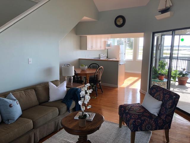 Little Oak Island Homes For Sale - 224 Mariners Cay, Folly Beach, SC - 10