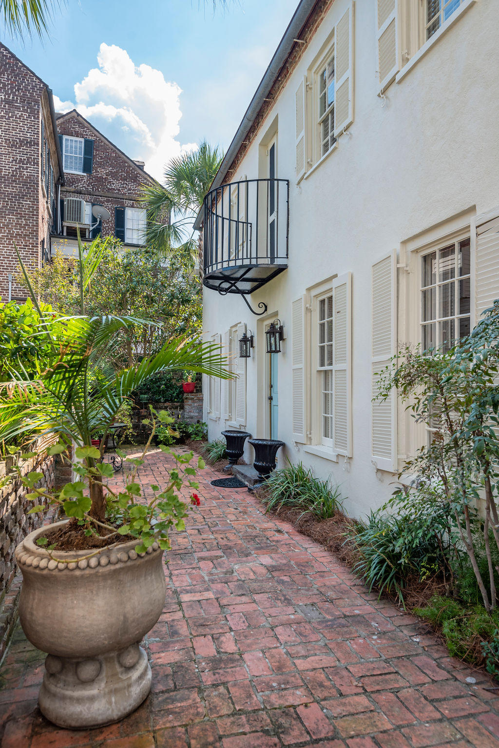 South of Broad Homes For Sale - 48&48 1/2 South Battery, Charleston, SC - 22