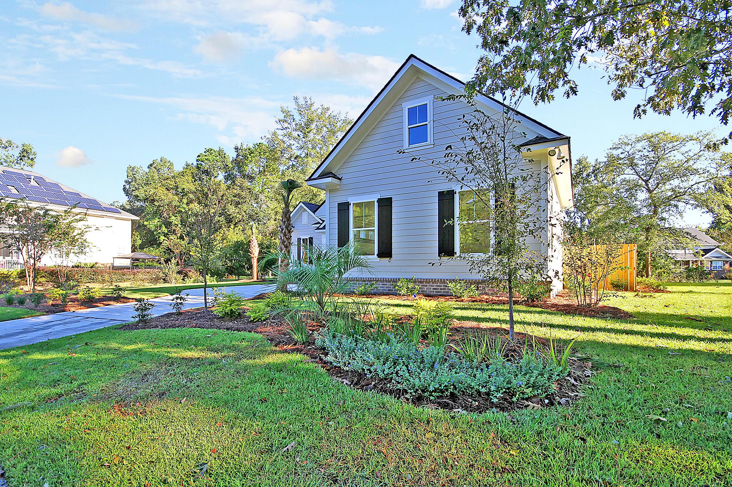 Shadowmoss Homes For Sale - 425 Shadowmoss, Charleston, SC - 2