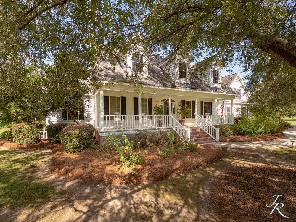 Photo of 1403 Tennis Ln, Summerton, SC 29148