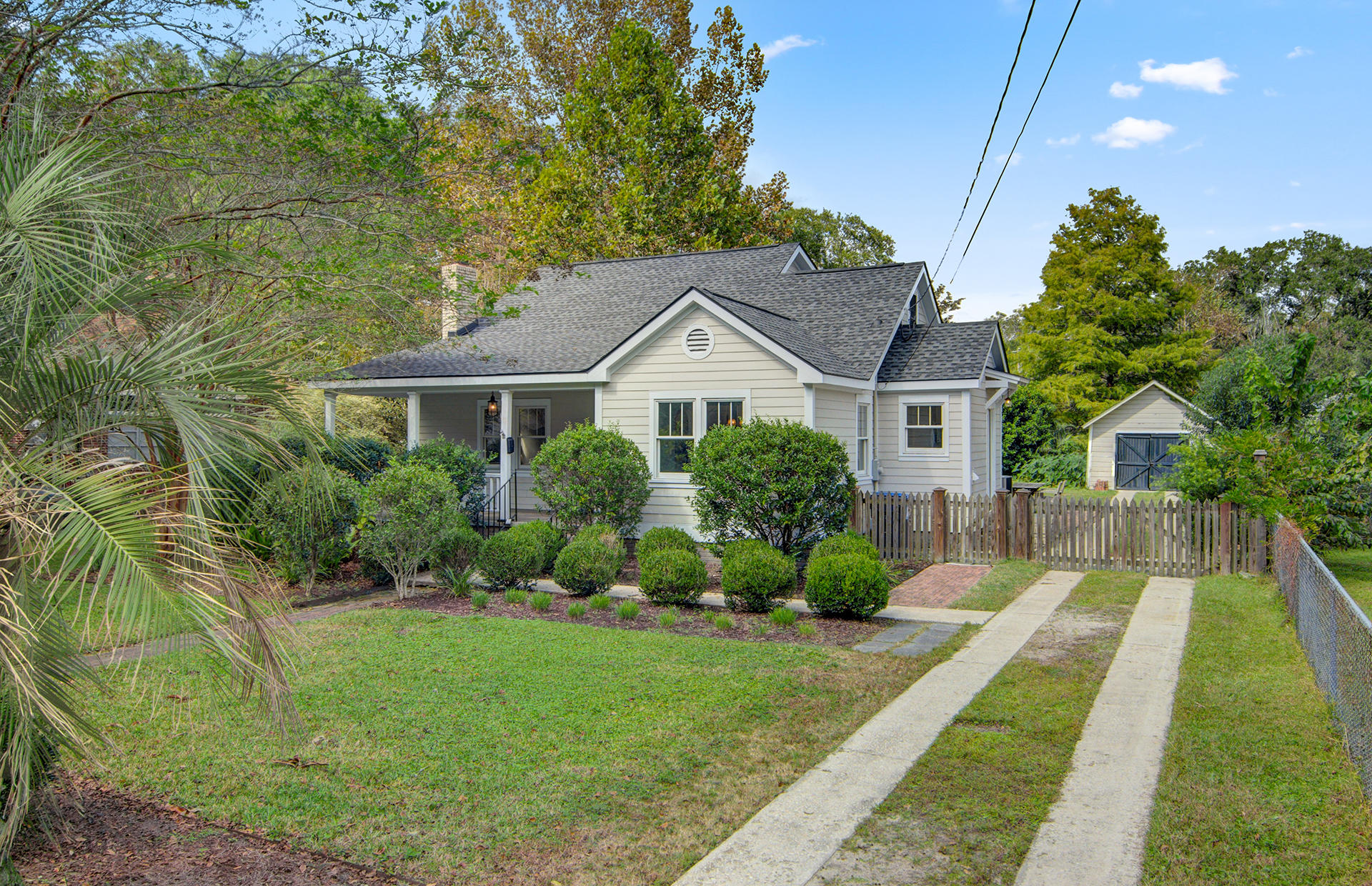 Photo of 22 Riverdale Dr, Charleston, SC 29407