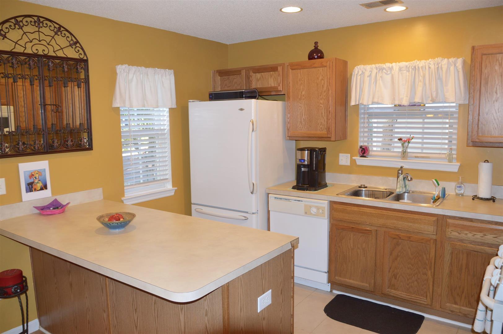 Oak Bluff Homes For Sale - 8008 Shadow Oak, North Charleston, SC - 8