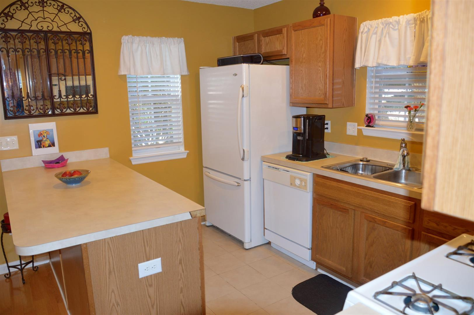 Oak Bluff Homes For Sale - 8008 Shadow Oak, North Charleston, SC - 12