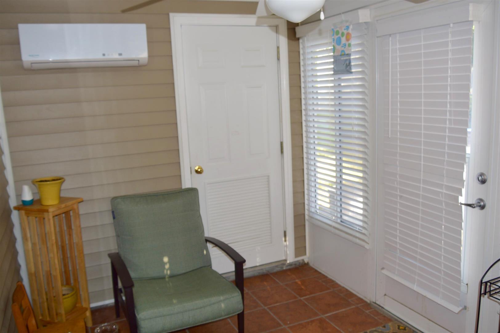 Oak Bluff Homes For Sale - 8008 Shadow Oak, North Charleston, SC - 5
