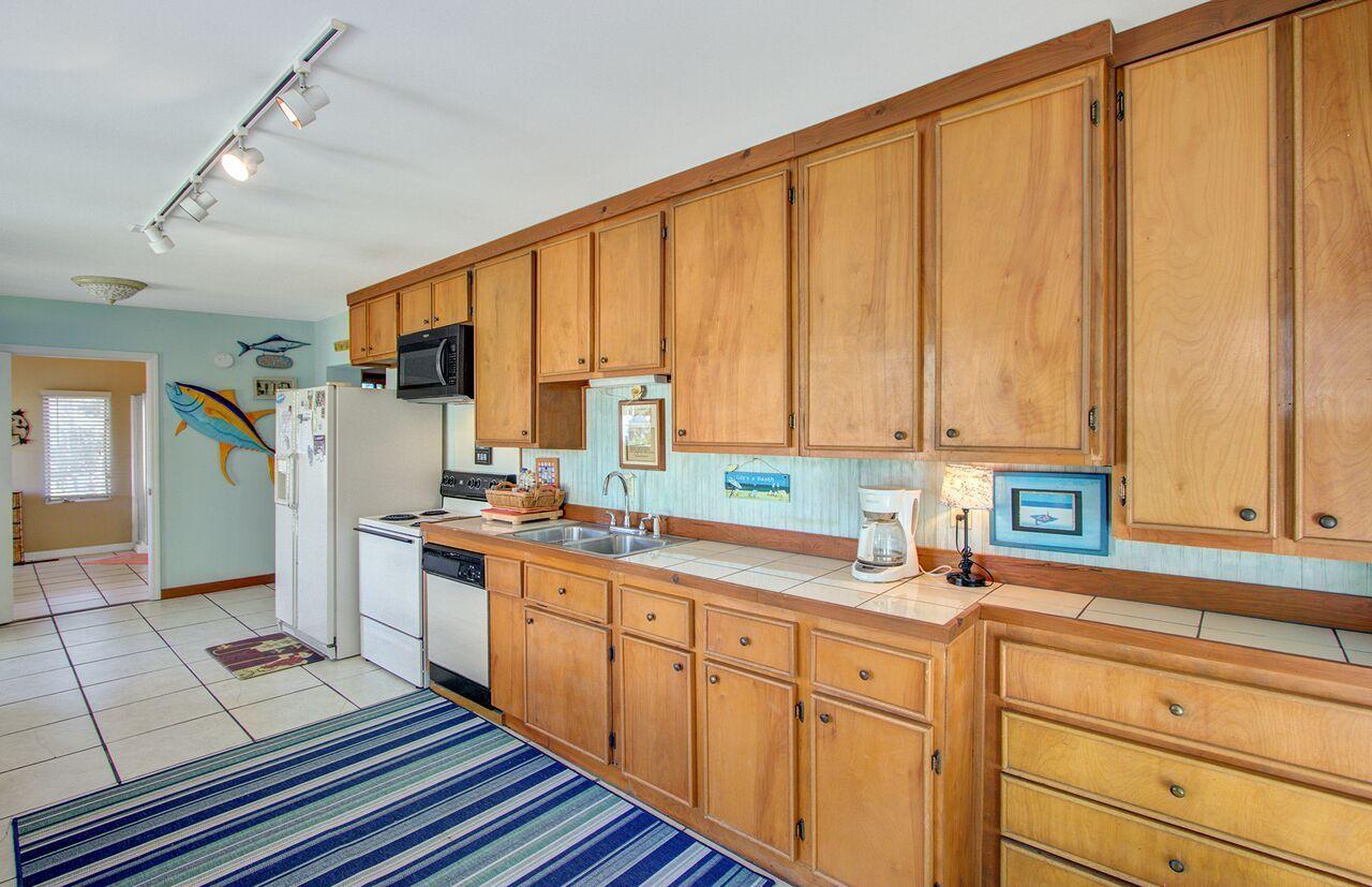 Folly Beach Homes For Sale - 809 Ashley, Folly Beach, SC - 32