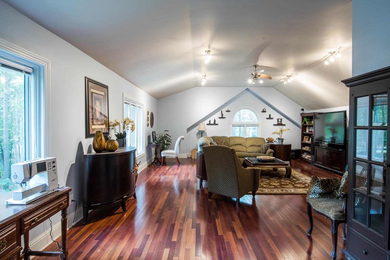 Ask Frank Real Estate Services - MLS Number: 18031304