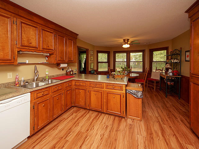 Millwood Homes For Sale - 122 Wilson, Summerville, SC - 23