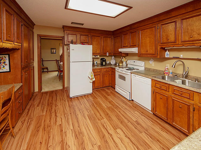 Millwood Homes For Sale - 122 Wilson, Summerville, SC - 20
