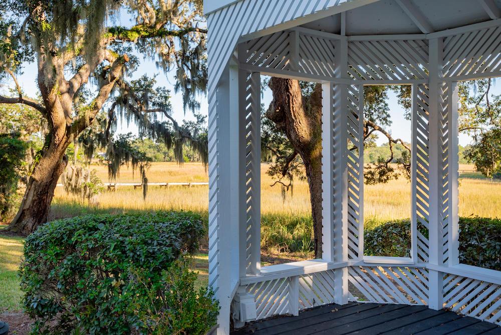 Stiles Point Plantation Homes For Sale - 915 Paul Revere, Charleston, SC - 29