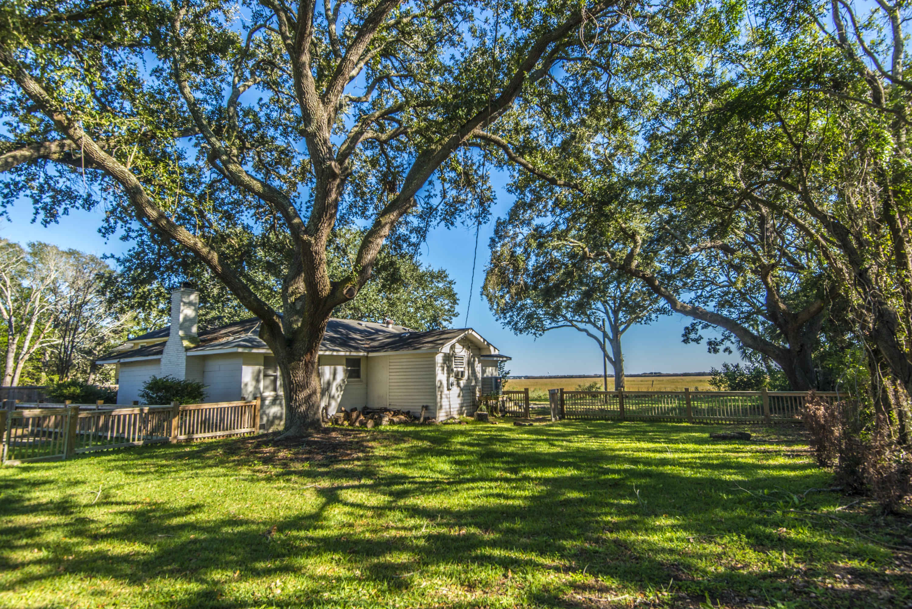 Old Village Homes For Sale - 967 Royall, Mount Pleasant, SC - 26