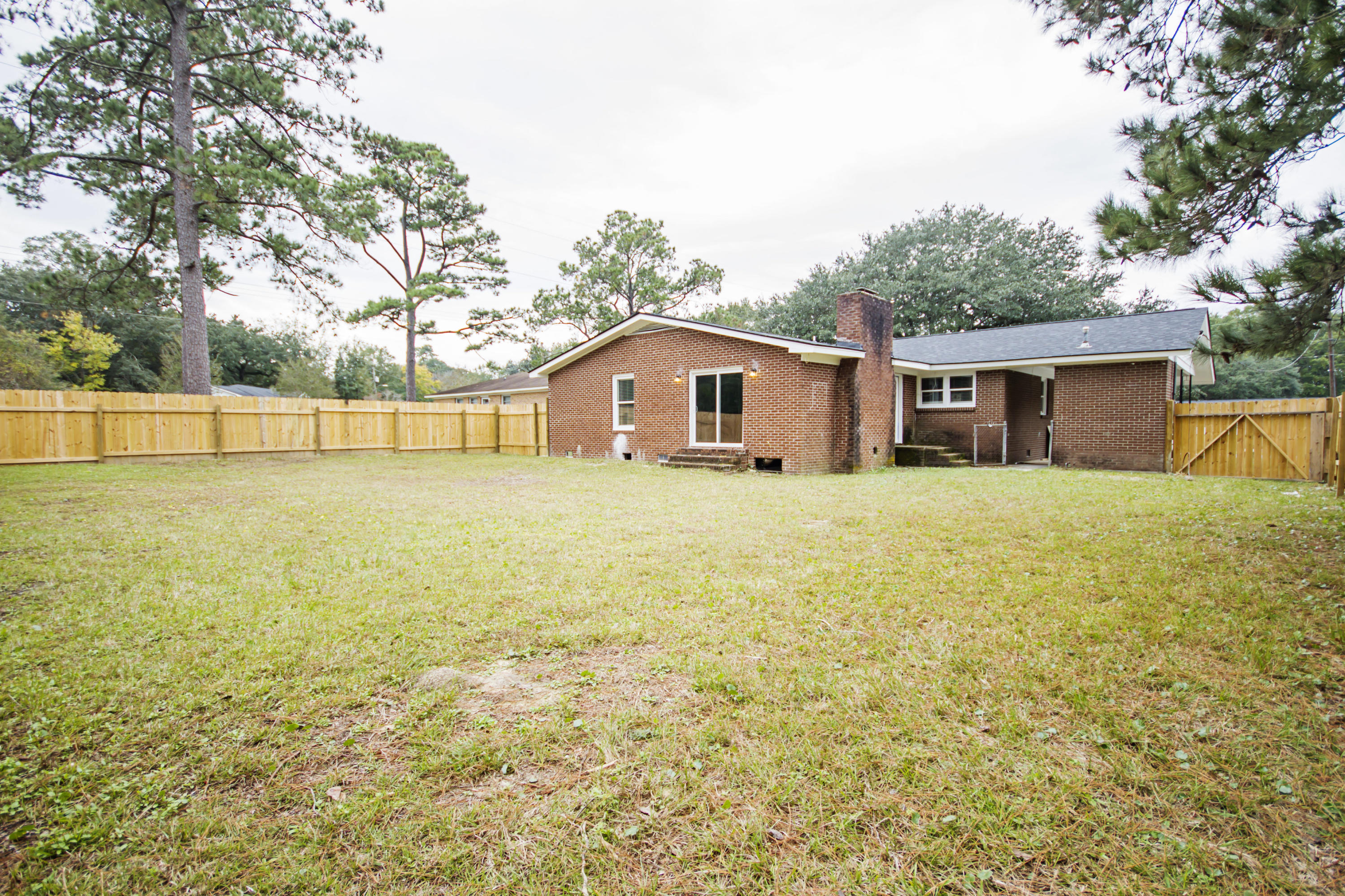 Photo of 5106 Pittman St, North Charleston, SC 29405
