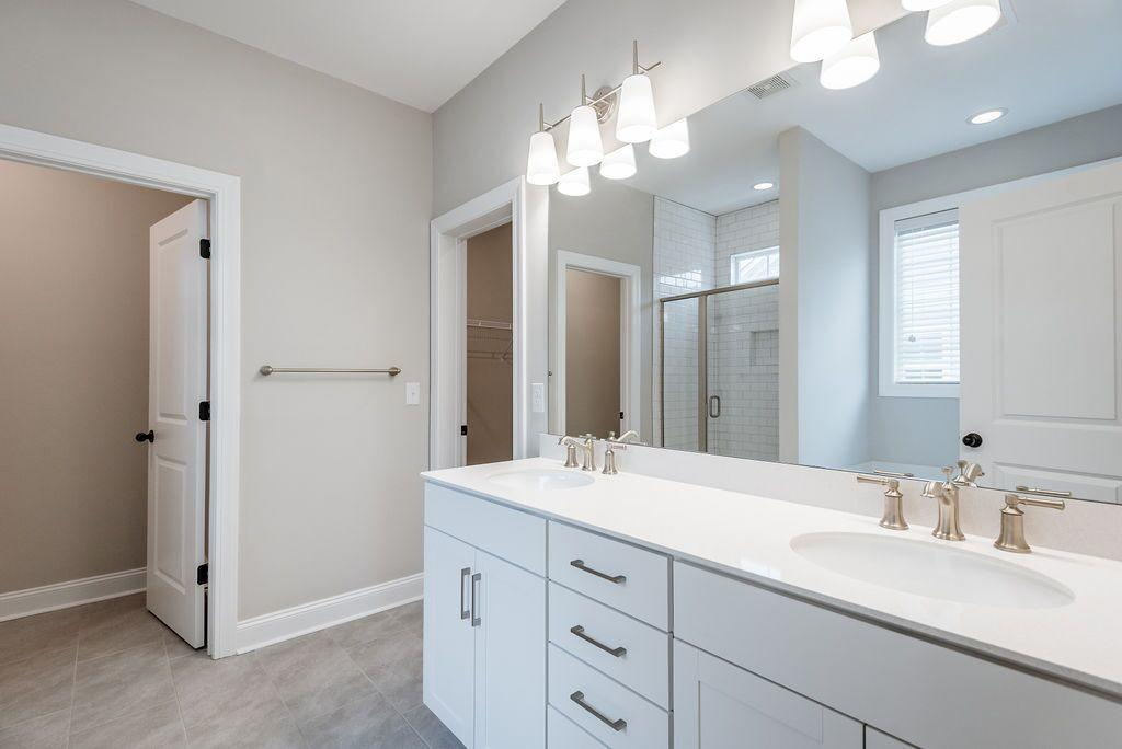 White Gables Homes For Sale - 208 Angelica, Summerville, SC - 29