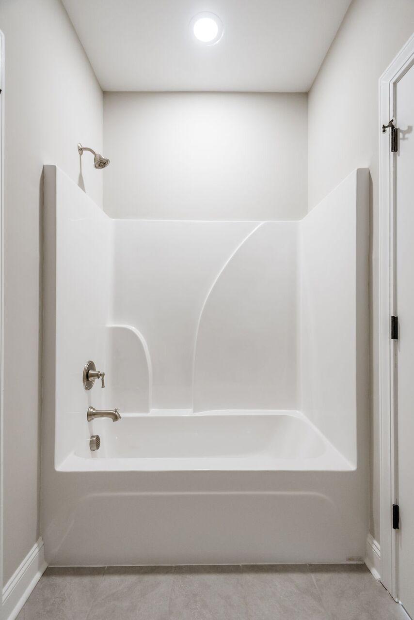 White Gables Homes For Sale - 208 Angelica, Summerville, SC - 17