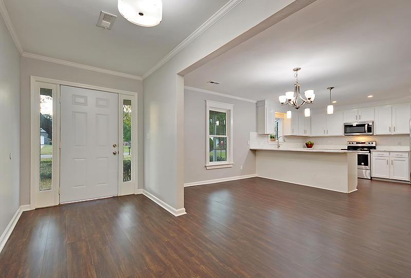 Lake Moultrie Estates Homes For Sale - 208 Lois, Moncks Corner, SC - 21