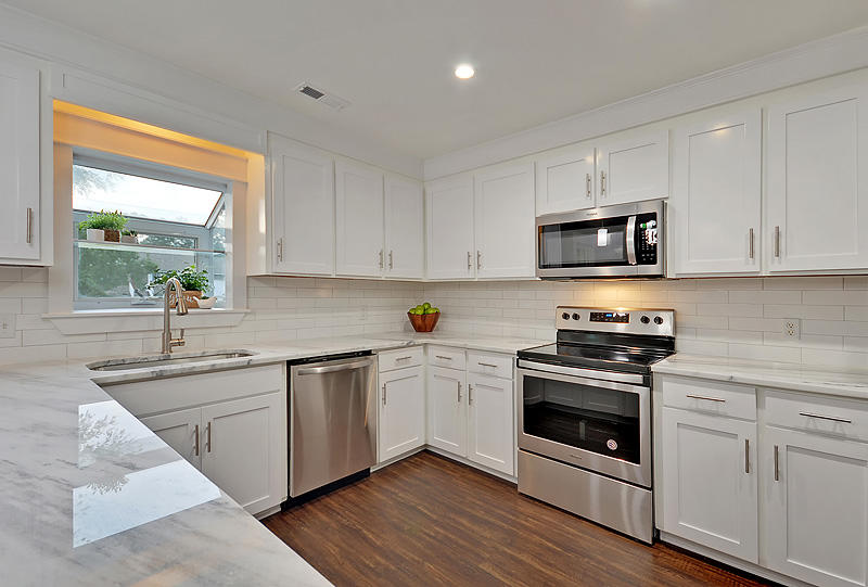 Lake Moultrie Estates Homes For Sale - 208 Lois, Moncks Corner, SC - 11
