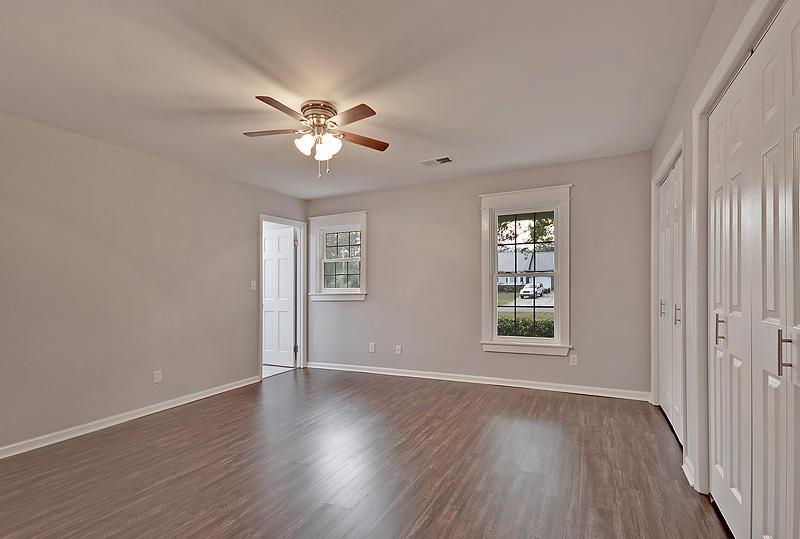 Lake Moultrie Estates Homes For Sale - 208 Lois, Moncks Corner, SC - 4