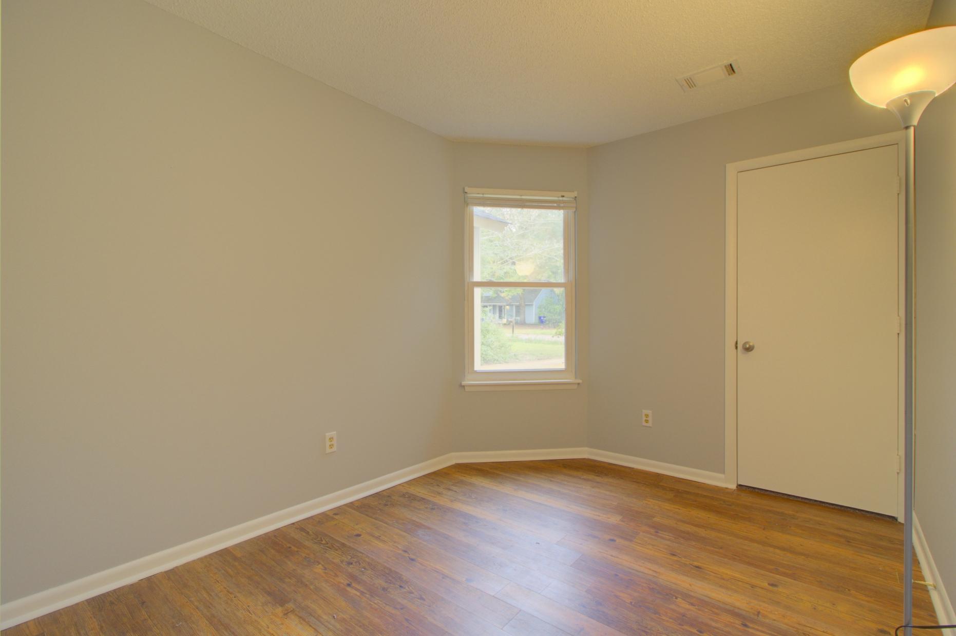 Willow Walk Homes For Sale - 1102 Oakcrest, Charleston, SC - 12