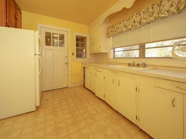 Riverland Terrace Homes For Sale - 2076 Maybank, Charleston, SC - 14