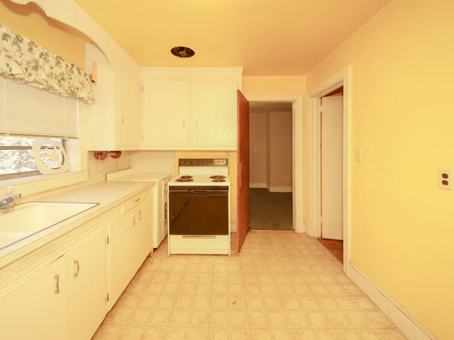 Riverland Terrace Homes For Sale - 2076 Maybank, Charleston, SC - 13