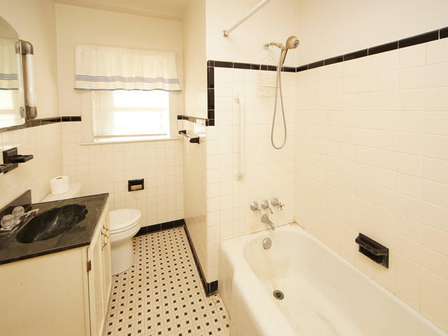 Riverland Terrace Homes For Sale - 2076 Maybank, Charleston, SC - 4