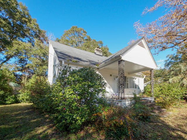 Riverland Terrace Homes For Sale - 2076 Maybank, Charleston, SC - 1