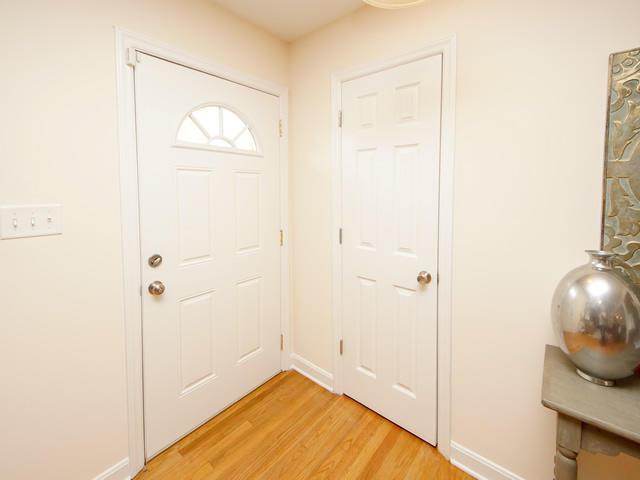 Lenevar Homes For Sale - 1258 Camelot, Charleston, SC - 2