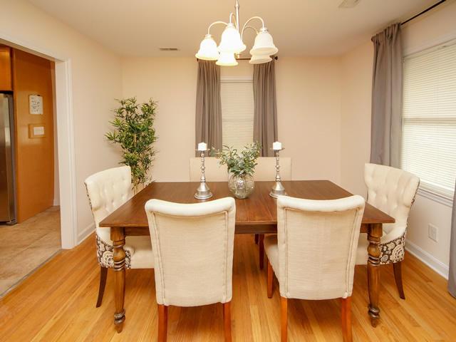 Lenevar Homes For Sale - 1258 Camelot, Charleston, SC - 4