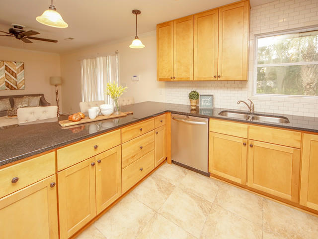 Lenevar Homes For Sale - 1258 Camelot, Charleston, SC - 18