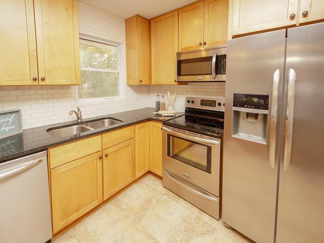 Lenevar Homes For Sale - 1258 Camelot, Charleston, SC - 17
