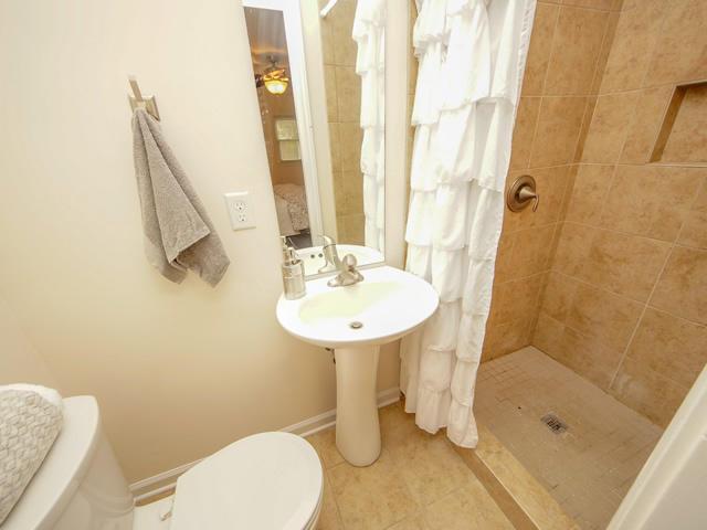 Lenevar Homes For Sale - 1258 Camelot, Charleston, SC - 20
