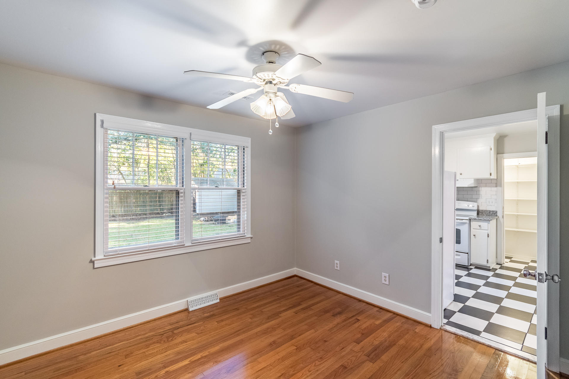 Edgewood Gardens Homes For Sale - 507 Risher, Charleston, SC - 5