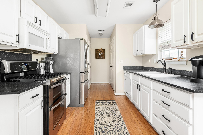 Ocean Neighbors Homes For Sale - 967 Clearspring, Charleston, SC - 0