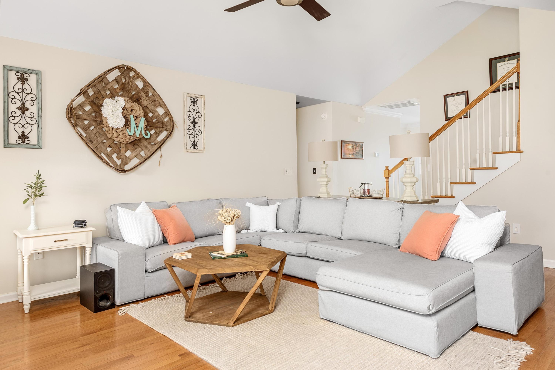 Ocean Neighbors Homes For Sale - 967 Clearspring, Charleston, SC - 2